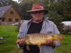 A lovely 9.5lb mirror carp from peg 2 on Lodge Lake for Tom - Weds 21st September 2011